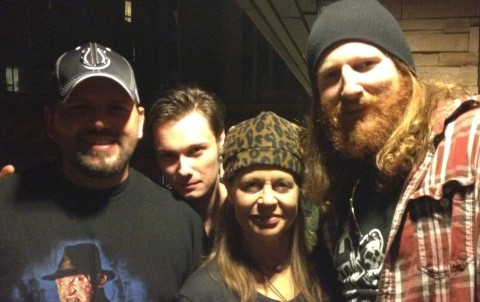 40oz. Of Horror - The gang hanging out with Linda Hamilton at a Horrorhound party.